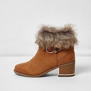 Bruine laarzen met blokhak en rand van imitatiebont voor meisjes