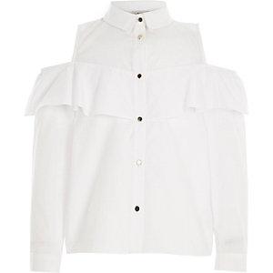 Weißes Hemd mit Schulterausschnitten und Rüschen