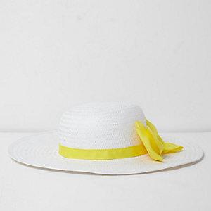 Capeline en paille blanche avec nœud contrastant pour fille