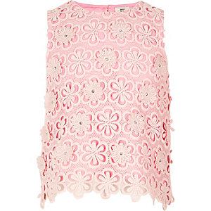 Roze top met kanten laag met bloemen en lovertjes