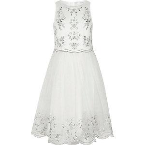 Witte jurk met rok van geborduurd tule voor meisjes
