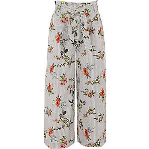 Weite Hose mit Blumenmuster und Streifen