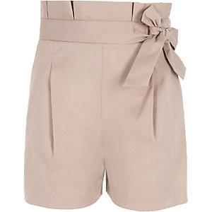Beige Shorts mit Paperbag-Taille