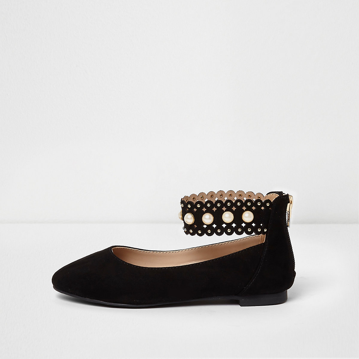 Girls black pearl scallop strap ballet shoes