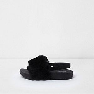 Claquettes noires en fausse fourrure avec bride arrière mini fille