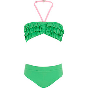 Grüner, geraffter Bandeau-Bikini