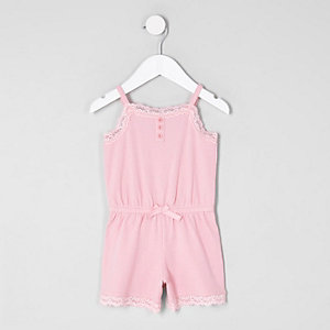 Combi-short pyjama rose à bretelles fines et dentelle mini fille