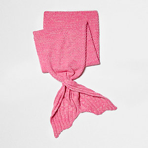 Girls pink mermaid tail knit blanket