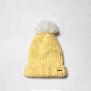 Girls yellow bobble beanie hat