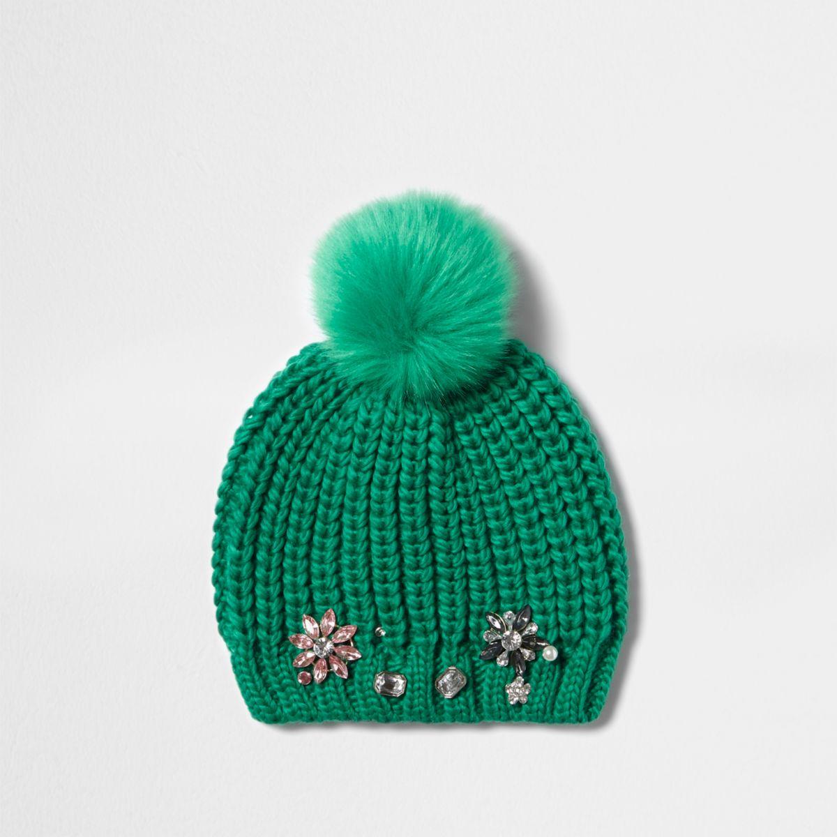Bonnet vert à pompon et ornements pour fille