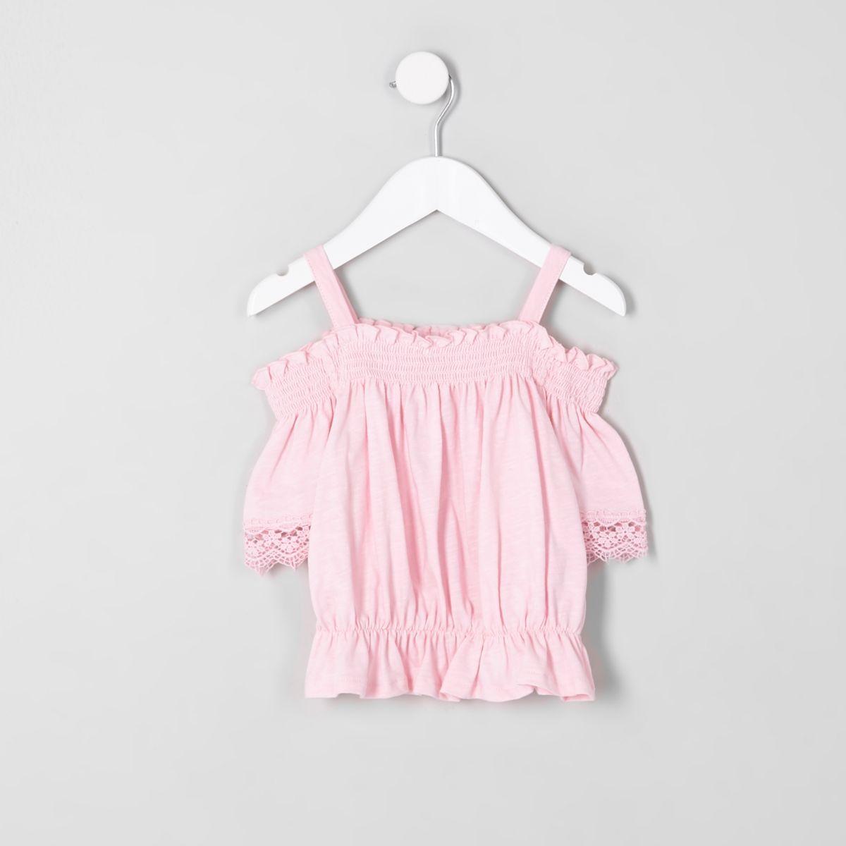 Top Bardot au crochet rose à fronces mini fille