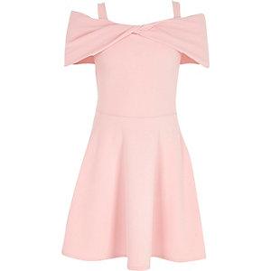 Robe Bardot rose avec nœud pour fille
