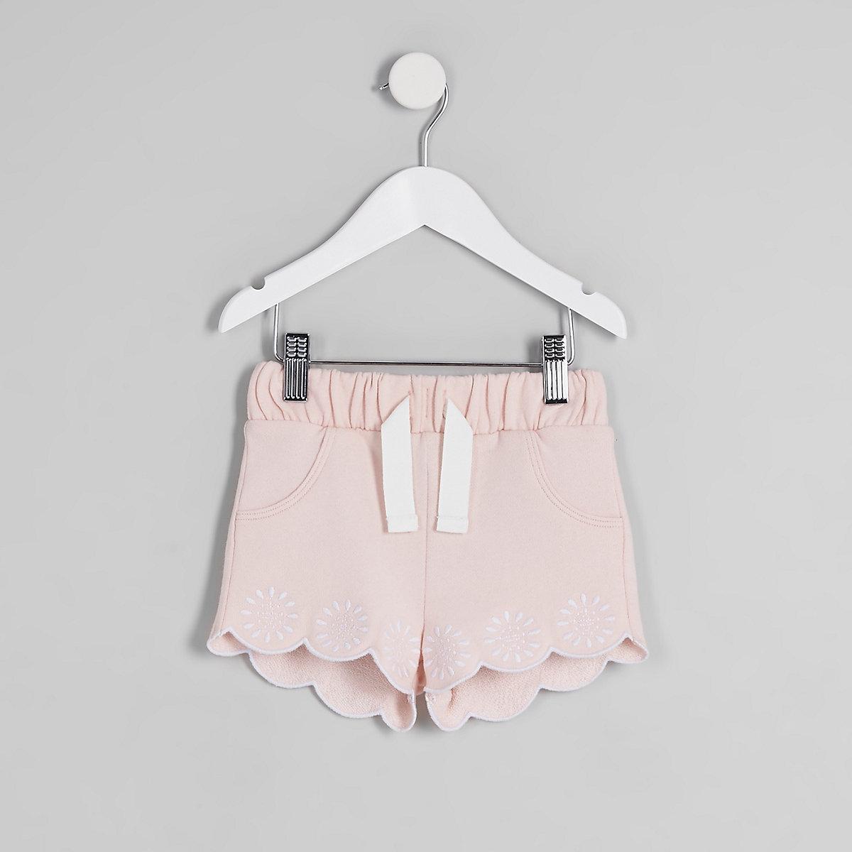 Mini girls pink scalloped hem shorts