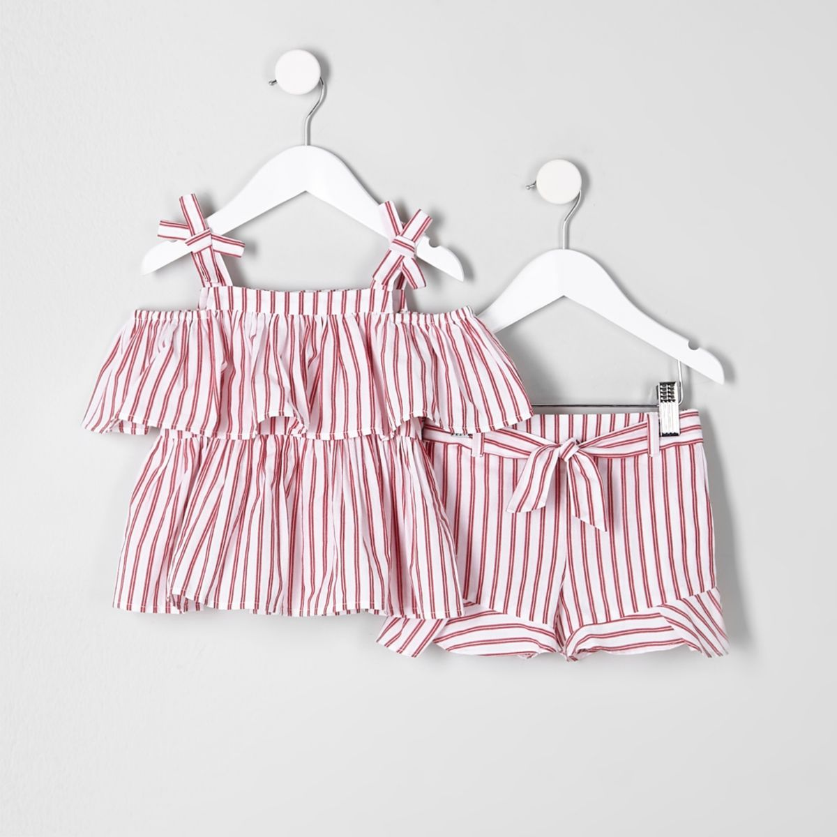 Mini girls red stripe cami and shorts outfit