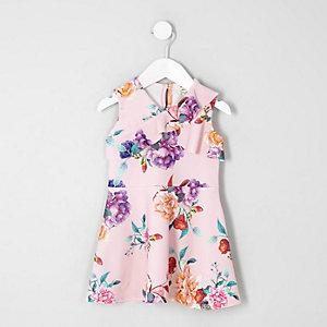 Rosa geblümtes Skater-Kleid mit Rüschen