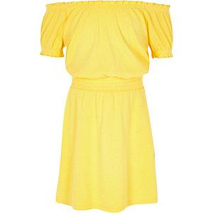 Gele gesmokte bardotjurk voor meisjes