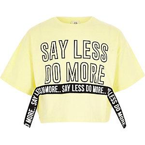 T-shirt court «say less» jaune pour fille