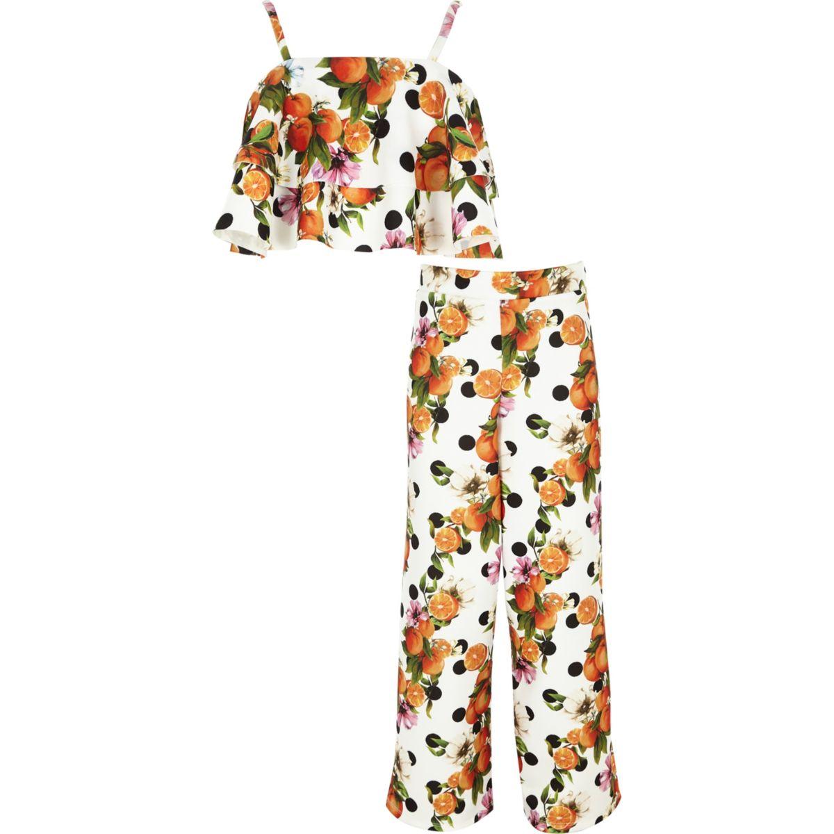 Outfit mit Crop Top in Orange