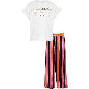 Girls 'love' T-shirt and trousers outfit