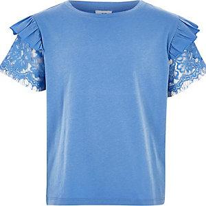 T-shirt manches courtes bleu à dentelle et volants pour fille