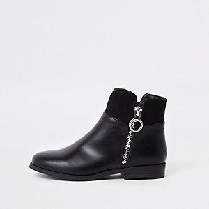 Girls black zip side boots