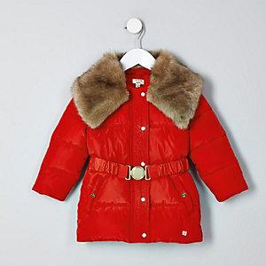 Manteau rouge à ceinture et col en fausse fourrure mini fille