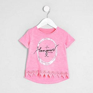Mini - Roze top met gehaakte rand en 'bonjour'-print voor meisjes