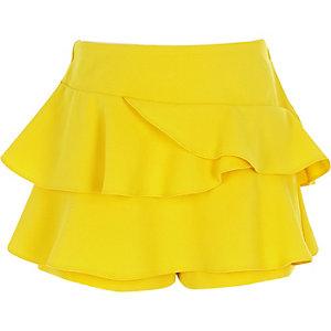 Gelber Hosenrock mit Rüschen