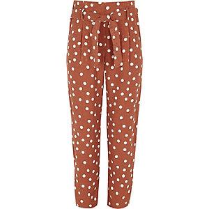 Bruine smaltoelopende broek met stippen voor meisjes