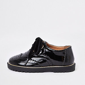 Mini girls black eyelet patent brogues