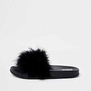 Zwarte slippers met veer voor meisjes