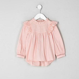 Top évasé rose à volants en broderie anglaise mini fille