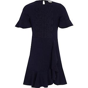 Marineblauwe gehaakte jurk met ruches aan de zoom voor meisjes