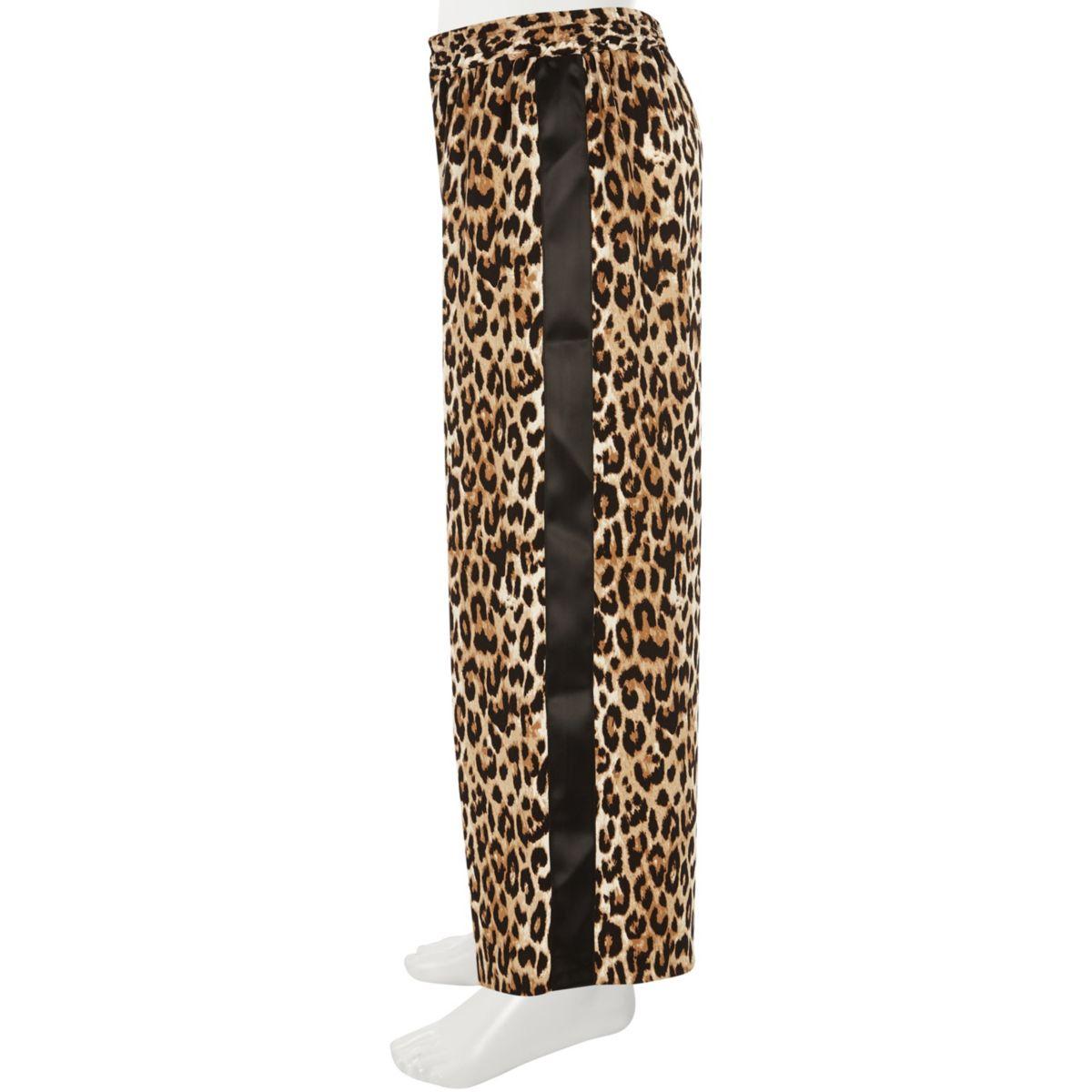 Palazzohose mit Leopardenmuster mit weiten Hosenbeinen