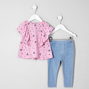 Mini girls top and denim leggings outfit