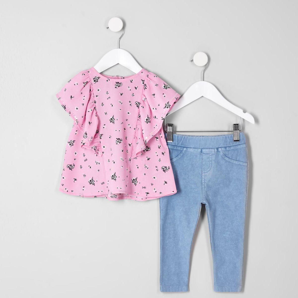 Mini girls top and denim leggings outfit