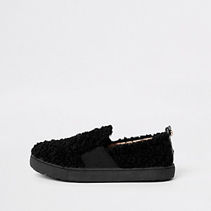 Girls black faux fur slip on plimsolls
