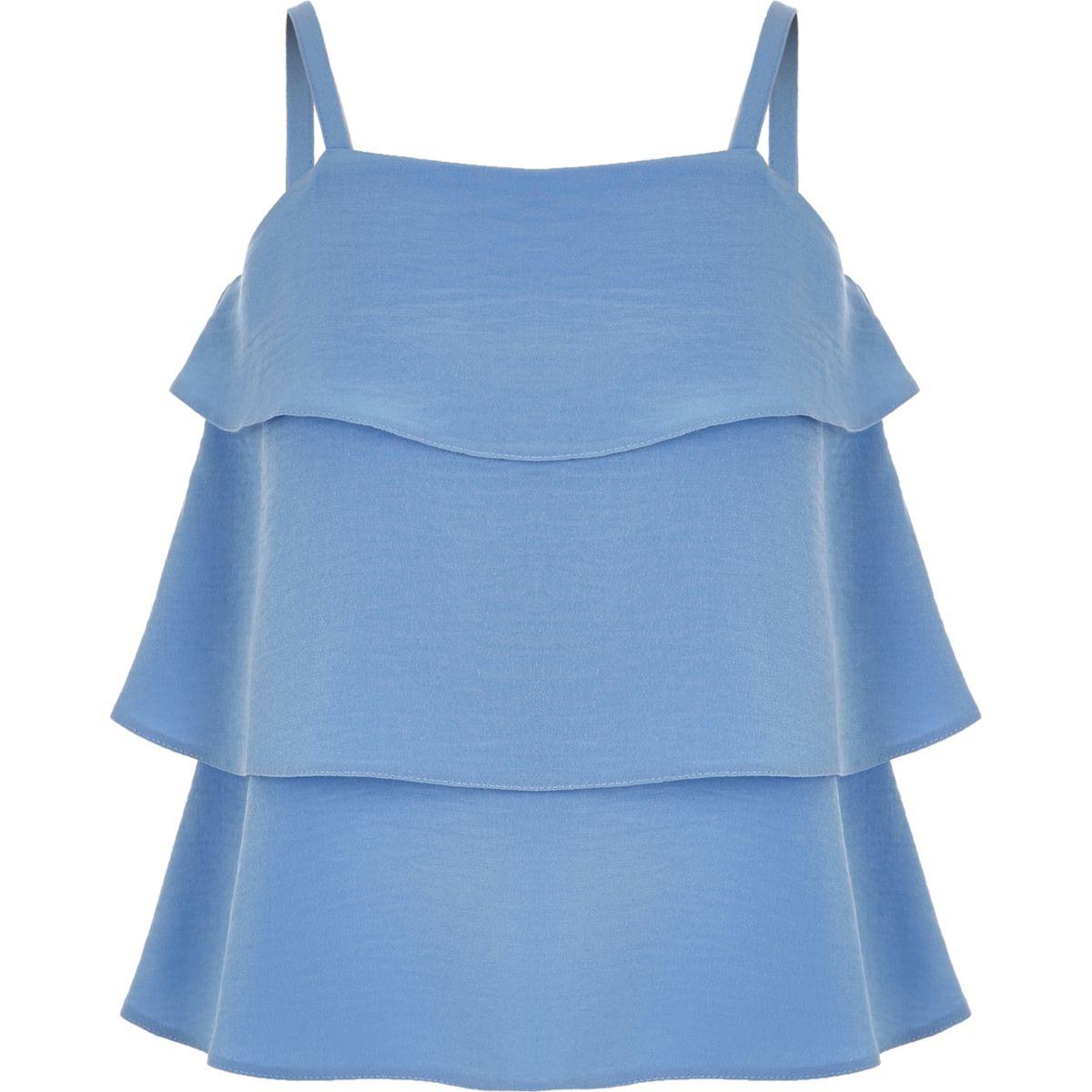 Blaues, gestuftes Camisole