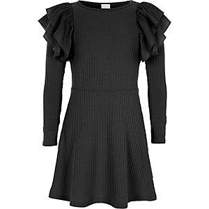 Zwarte geribbelde midi-jurk met ruches voor meisjes