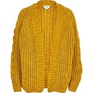 Cardigan en maille torsadée épaisse jaune