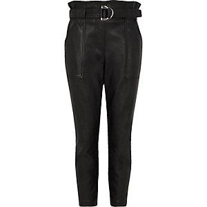 Zwarte broek van imitatieleer met ceintuur voor meisjes