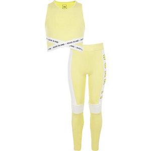 Outfit met gele crop top met 'work it'-print voor meisjes
