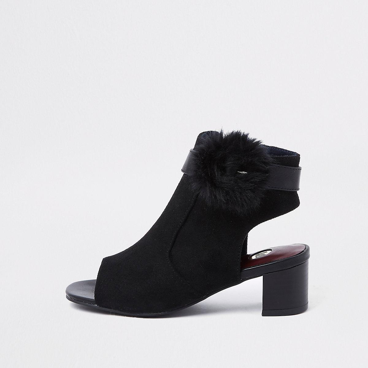 Girls black faux fur buckle shoe boots