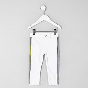 Mini girls white side stripe frayed hem jeans