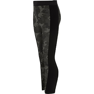 RI Active – Khaki Leggings mit Camouflage-Muster