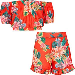 Rode outfit in bardotstijl met tropische print voor meisjes