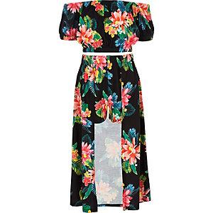 Outfit met zwarte gebloemde crop top met bardothalslijn voor meisjes