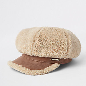 Girls light brown shearling baker boy hat