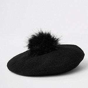 Schwarze Baskenmütze mit Bommel