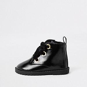 Bottes noires à lacets et œillets mini fille